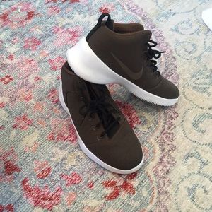 Brown Nike Sneakers - men's